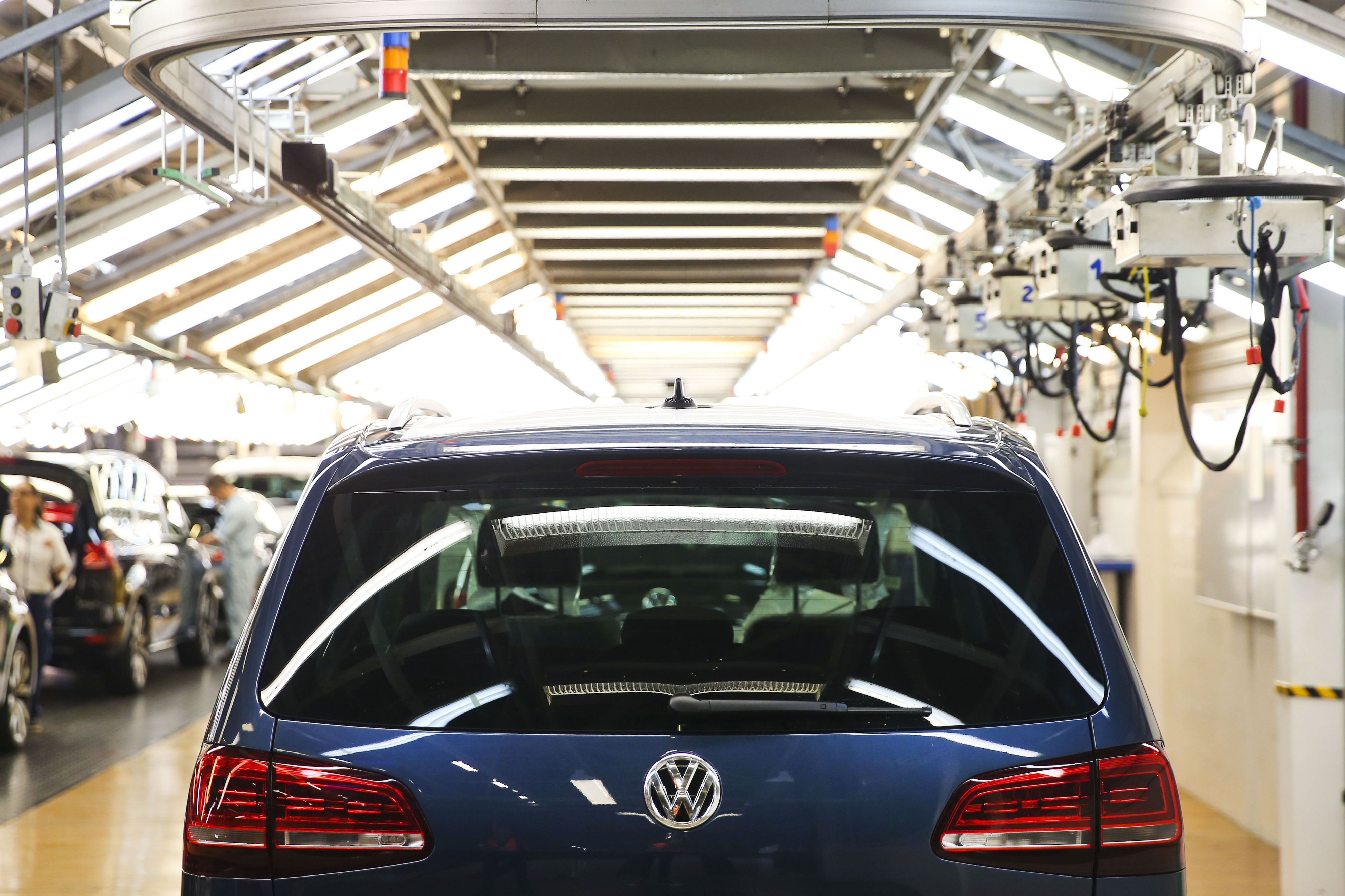 Produção da Autoeuropa parada até 02 de abril