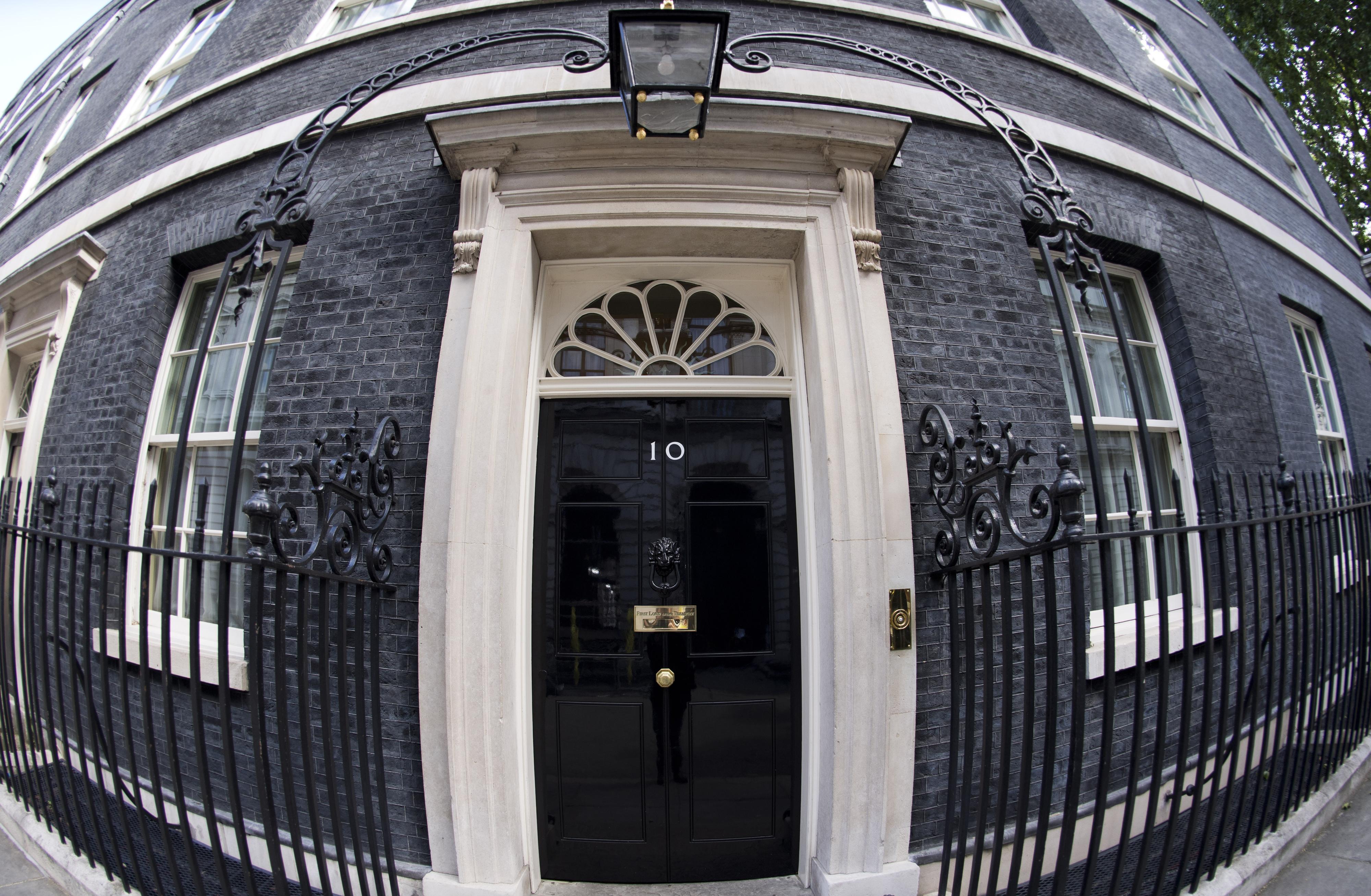 Brexit: Quatro dos cinco candidatos a primeiro-ministro querem preparar Reino Unido para uma saída sem acordo