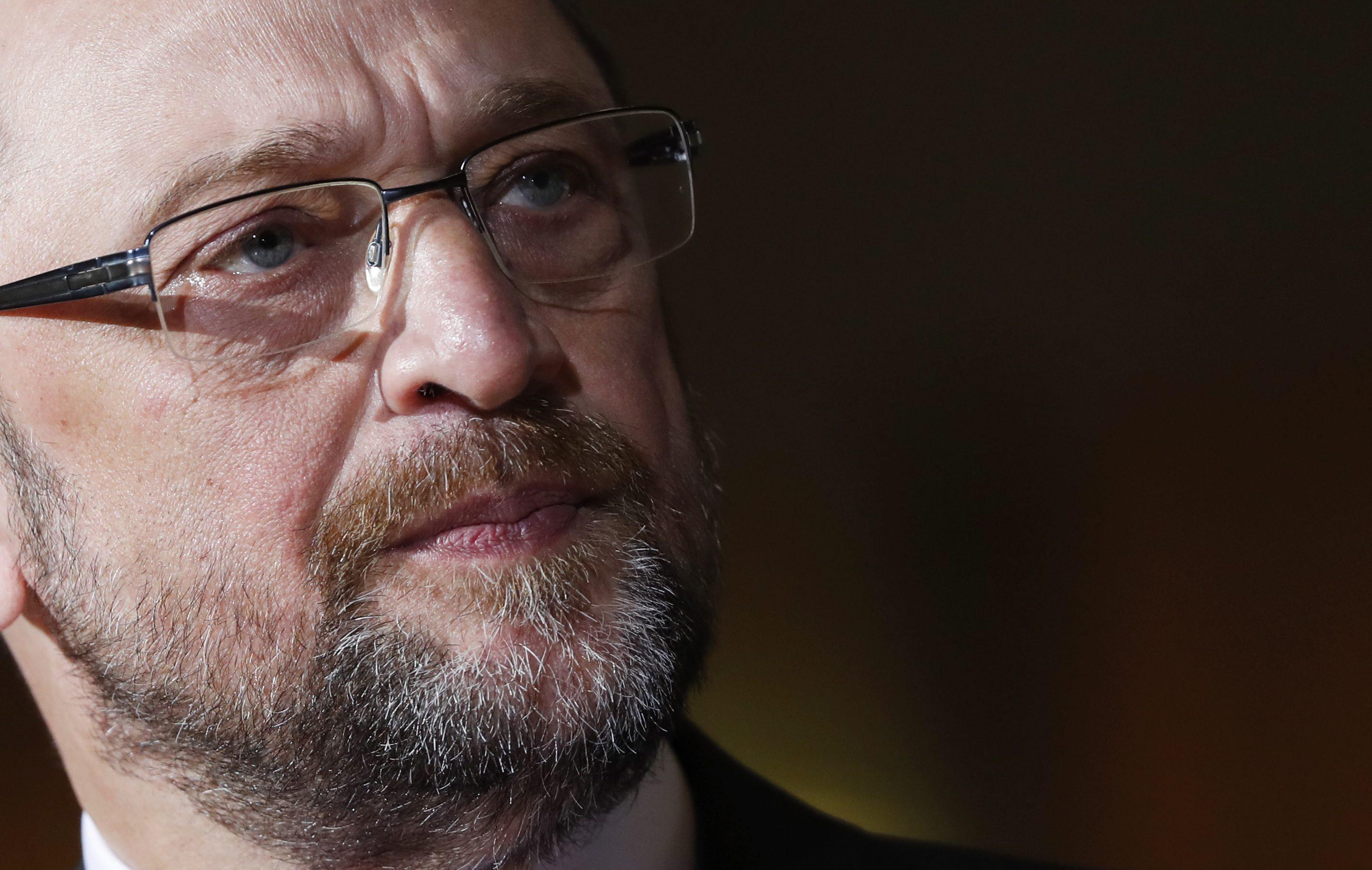 Parlamento aprova condenação do PSD a Martin Schulz, apesar de fortes críticas à esquerda