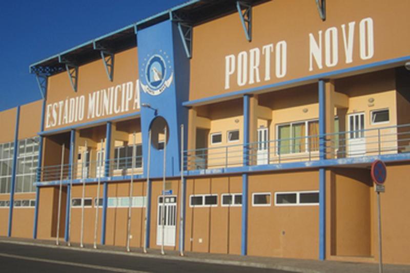 Estádio Municipal do Porto Novo recebe evento multi-desportivo para as crianças