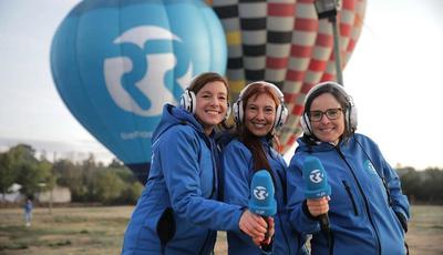 Feito inédito em Portugal: Carla Rocha, Ana Galvão e Joana Marques fazem emissão de rádio em direto num balão de ar quente