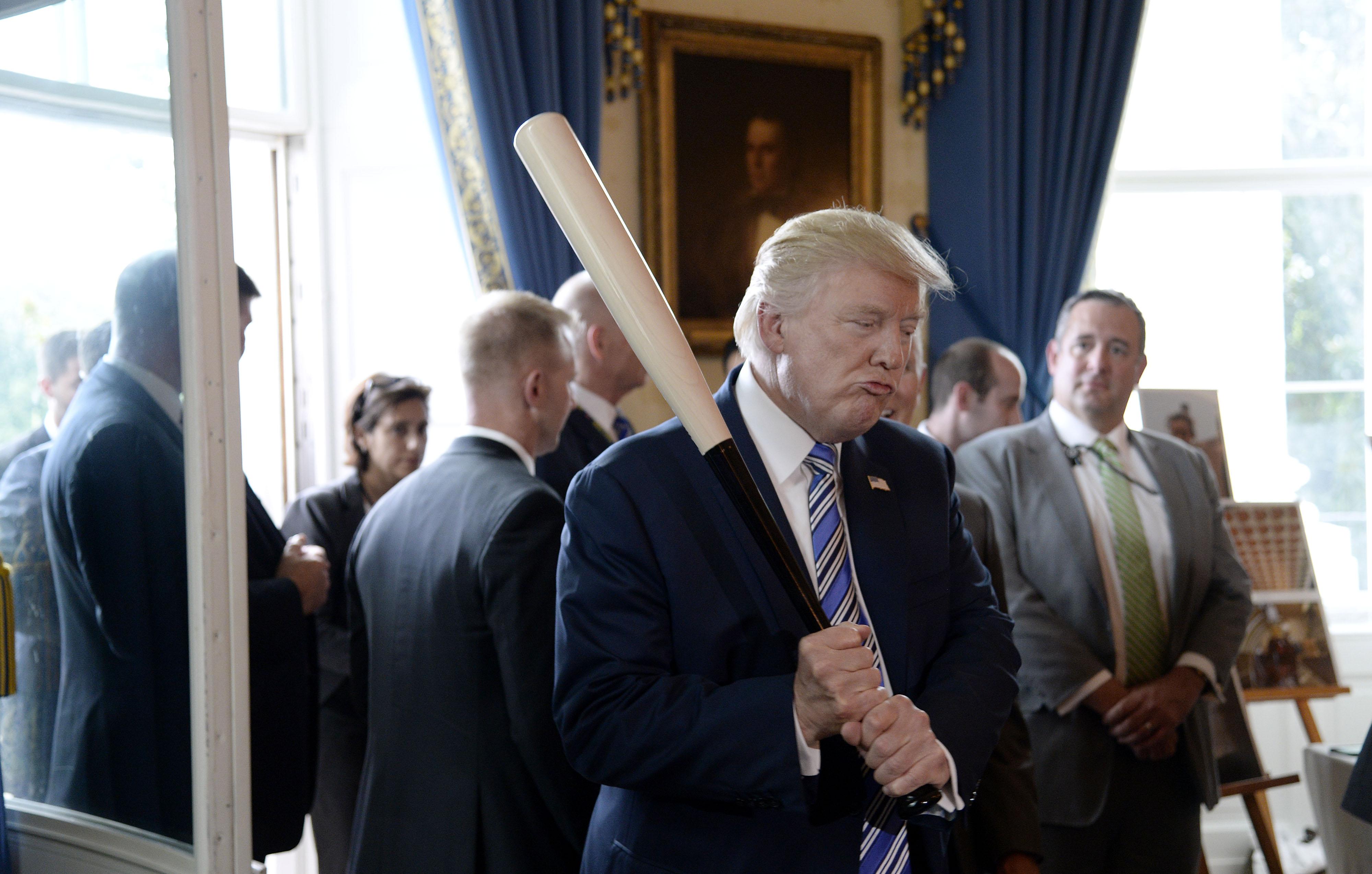 Donald Trump, um ano na presidência em 24 fotos inusitadas