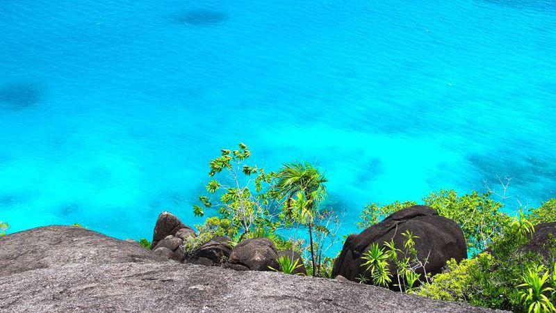 Praia do Sancho no Brasil eleita a melhor praia do mundo pela Tripadvisor