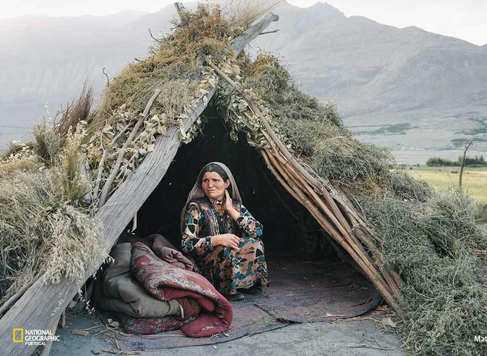 Afeganistão: fotoreportagem de uma caminhada angustiante até outro tempo