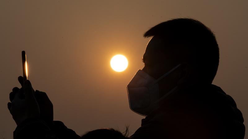 """Coronavírus: Governo português desaconselha """"viagens não essenciais"""" à China"""