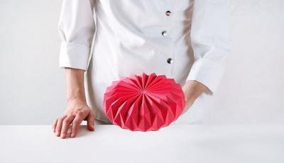 Doceira ucraniana reproduz nos seus bolos a delicada arte do origami