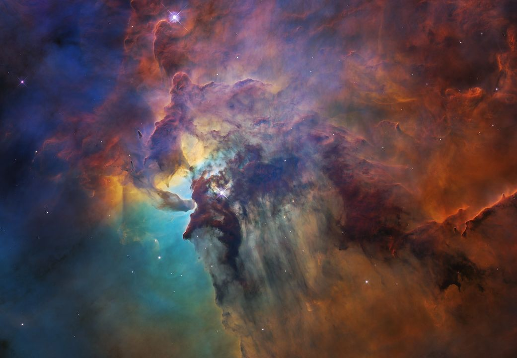 """Hubble comemora 28º aniversário com """"viagem"""" à Nebulosa Laguna"""