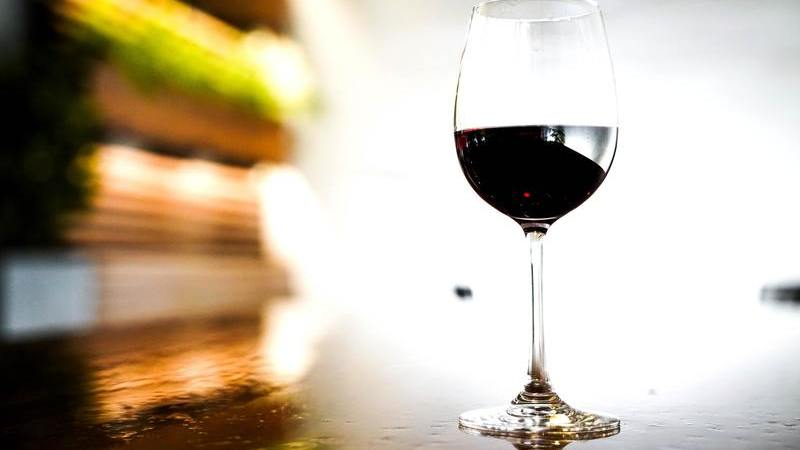 Vamos ao tira-teimas. Afinal, quantas calorias tem o vinho?