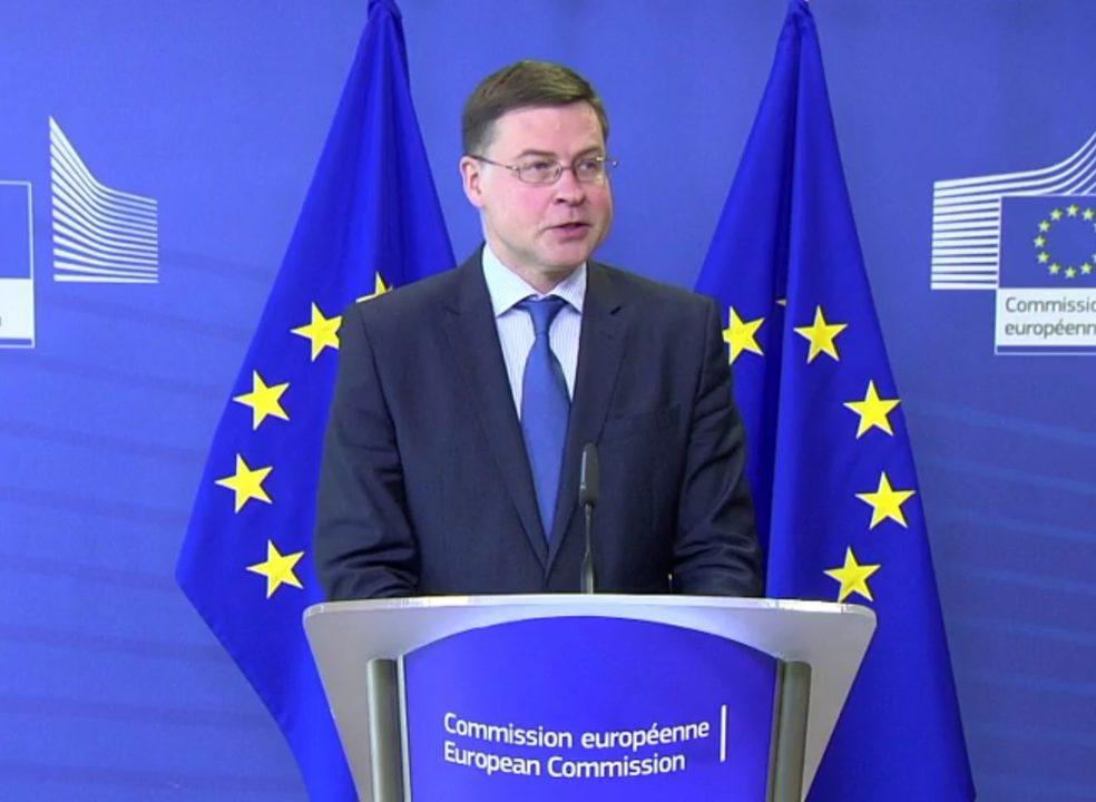 Comissão Europeia avisa novo Governo de Roma sobre a dívida pública
