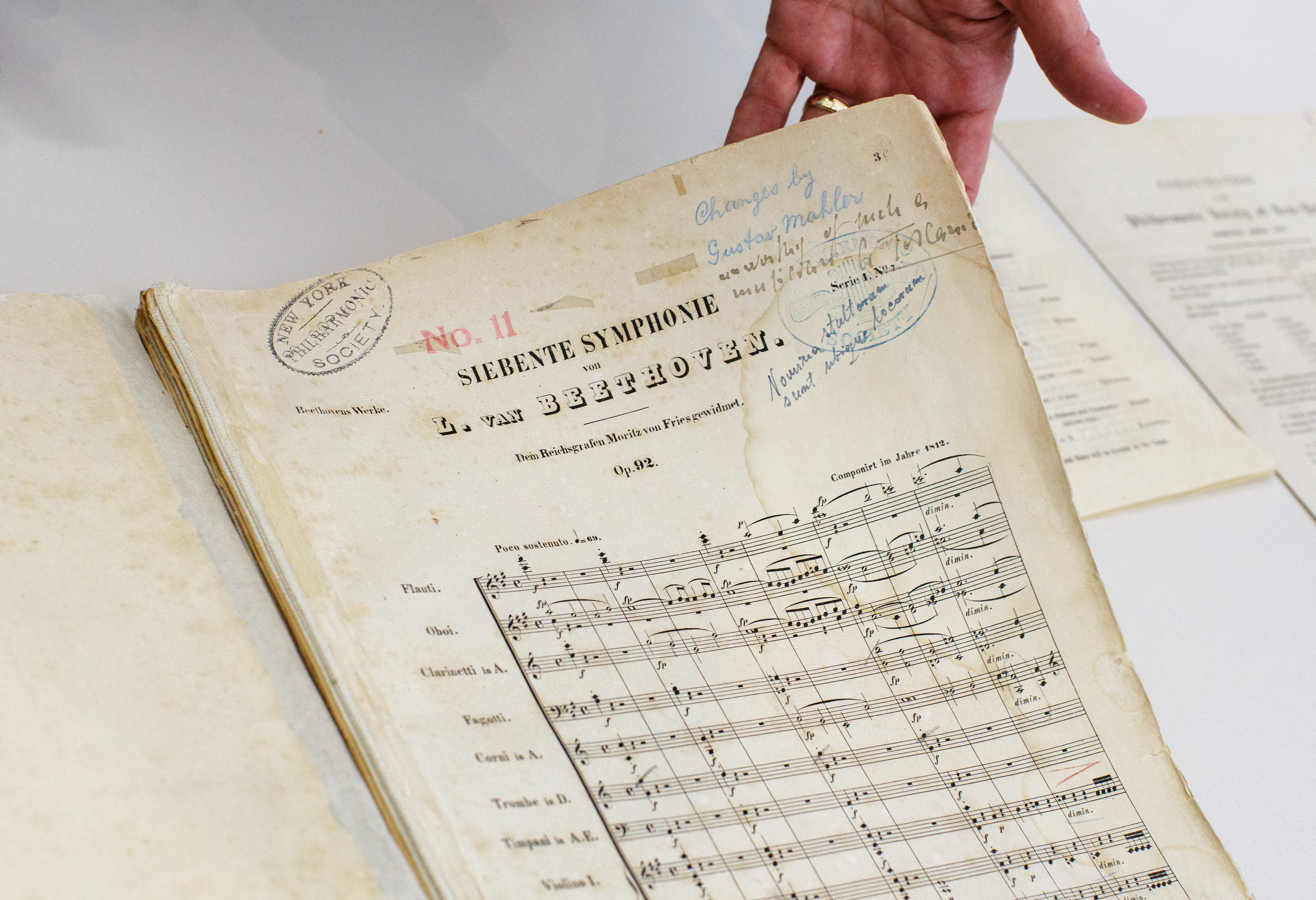 O desafio de um grupo de musicólogos: completar sinfonia inacabada de Beethoven com Inteligência Artificial