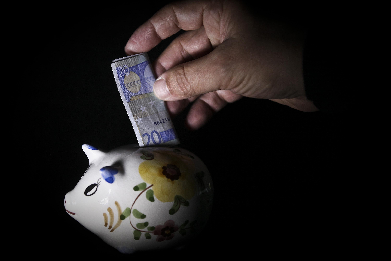 Taxa de poupança volta a cair e atinge o valor mais baixo em 18 anos
