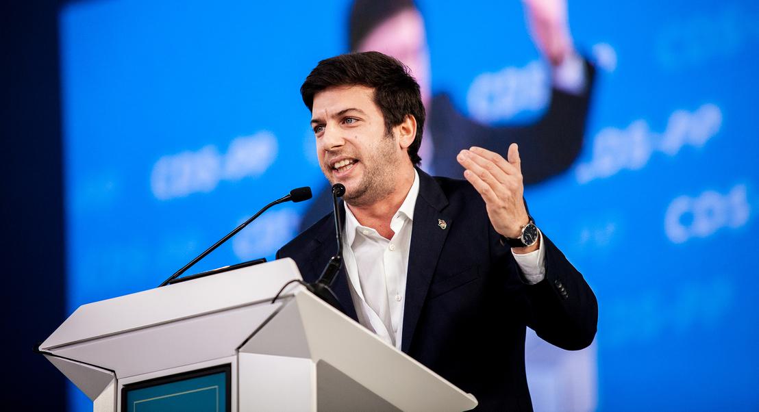 """""""À direita manda o CDS"""". Francisco Rodrigues dos Santos quer combater """"socialismo vigente em Portugal"""""""