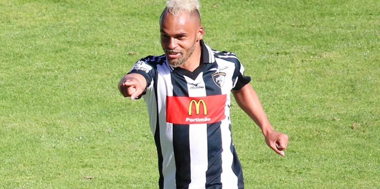 """Paulinho: """"FC Porto é um clube com que me identifico melhor"""""""