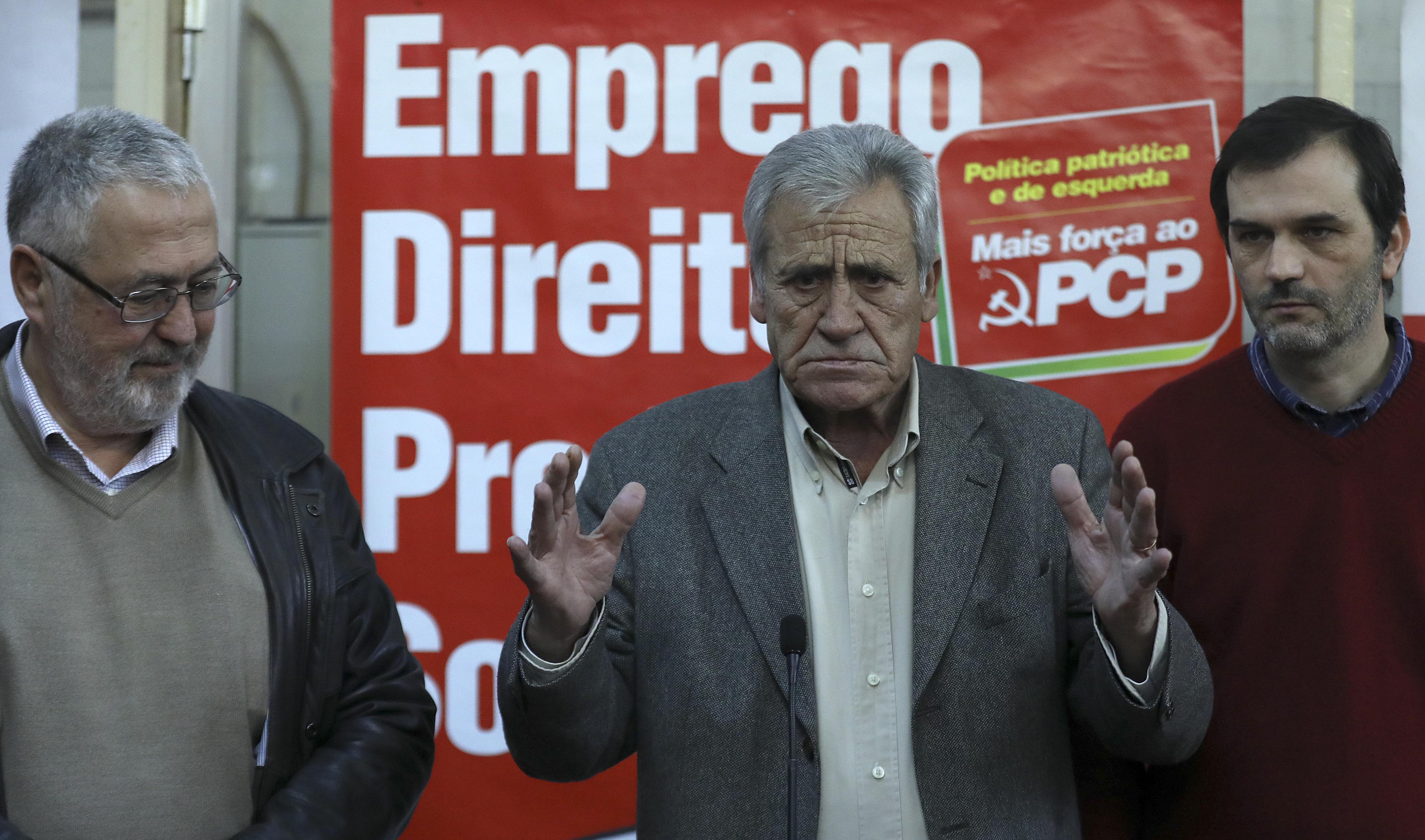 """Jerónimo de Sousa lembra que Presidente da República deve """"cumprir e fazer cumprir a Constituição"""""""