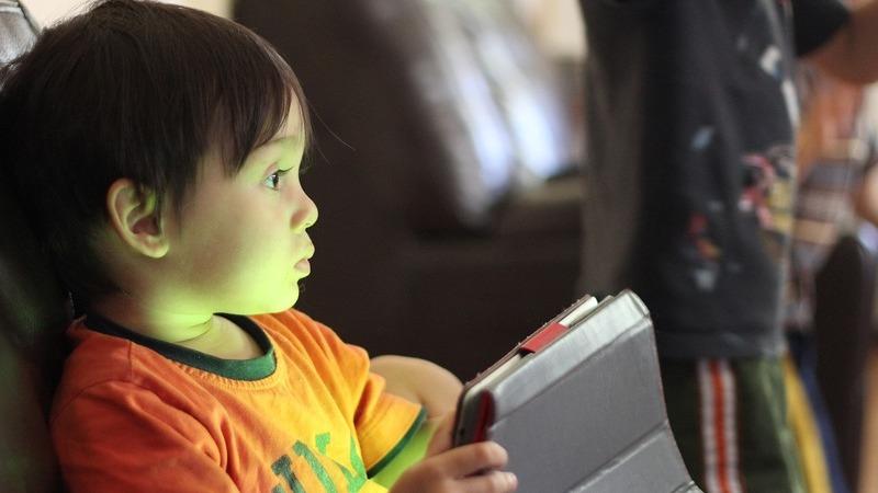 De pequenino... 67% das crianças com menos de 3 anos usam tecnologias