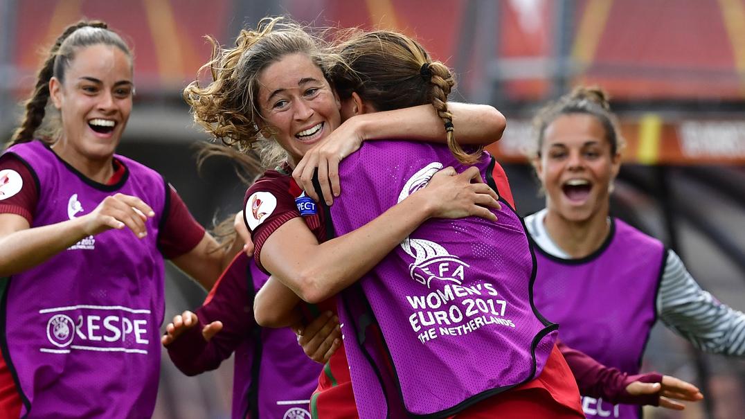 Carolina Mendes fez história ao marcar o primeiro golo de Portugal numa fase final