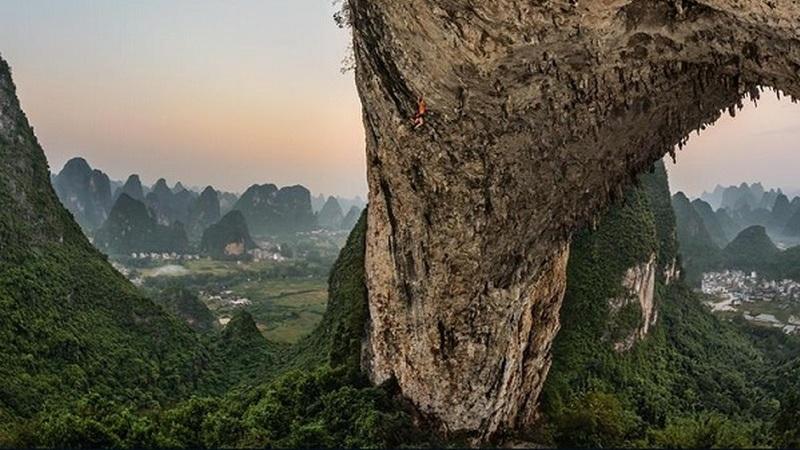 Ferramentas digitais permitiram investigar grutas gigantes da China e encontrar um mundo novo