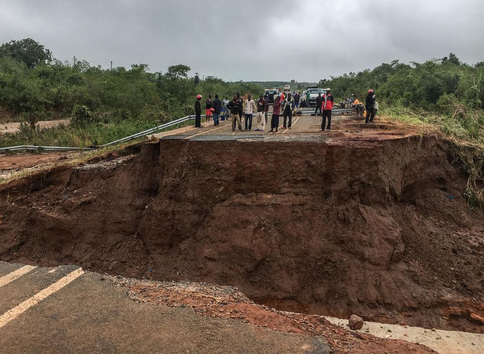 Idai: Ainda há 12 portugueses por localizar na cidade da Beira
