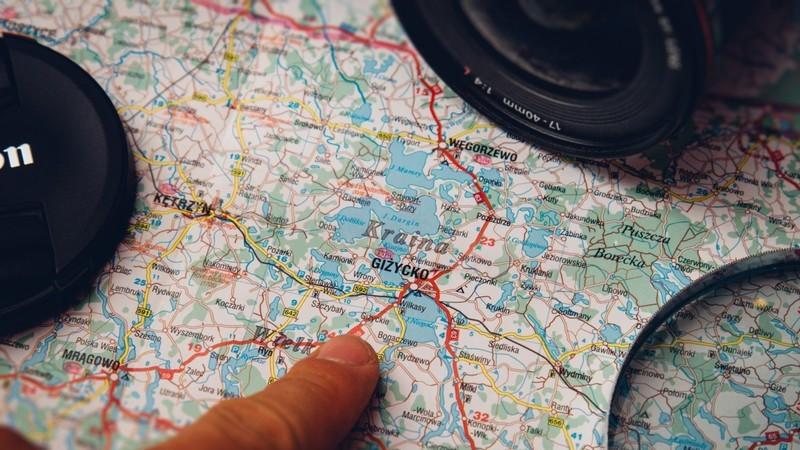 Este mapa mostra qual o melhor momento para viajar para cada país