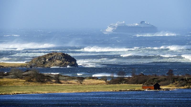 Mais de 1.300 pessoas retiradas de cruzeiro à deriva na costa norueguesa