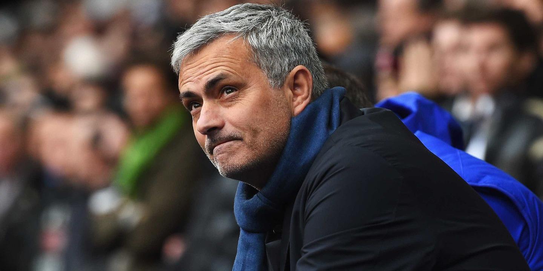 Mourinho admite interesse em Alexis Sánchez mas quer foco total no jogo com o Burnley
