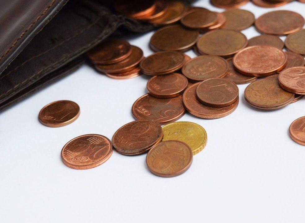 Governo foge às comissões da banca. Poupa 4 milhões a centralizar pagamentos a professores