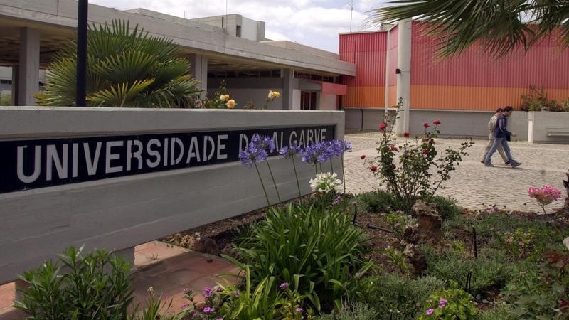 Ameaça de bomba na Universidade do Algarve obriga a evacuação do edifício