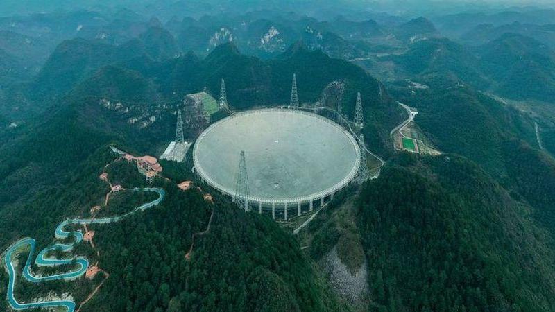 """FAST: Um dos maiores telescópios do mundo pode começar a """"caça"""" aos aliens em setembro"""