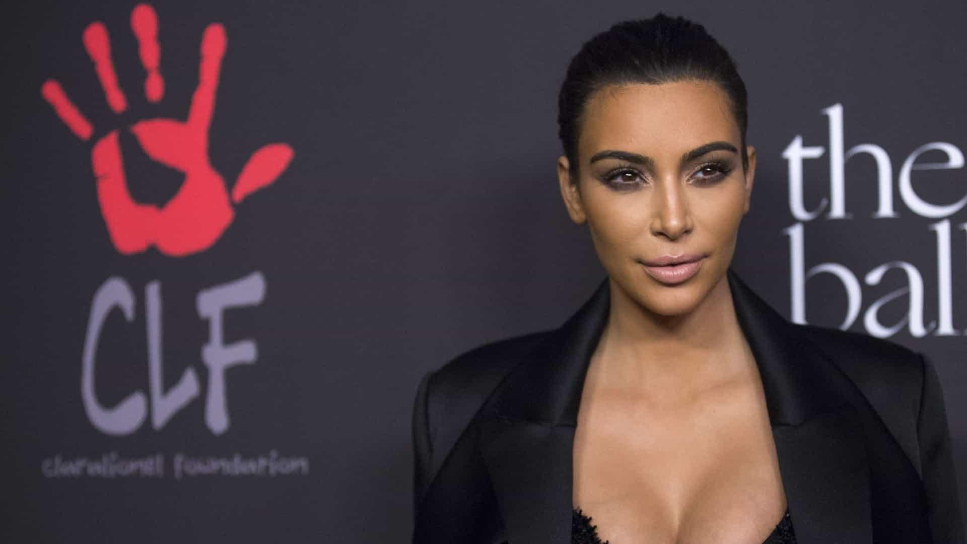 """Kim Kardashian mostra momento ternurento dos """"seus rapazes"""""""