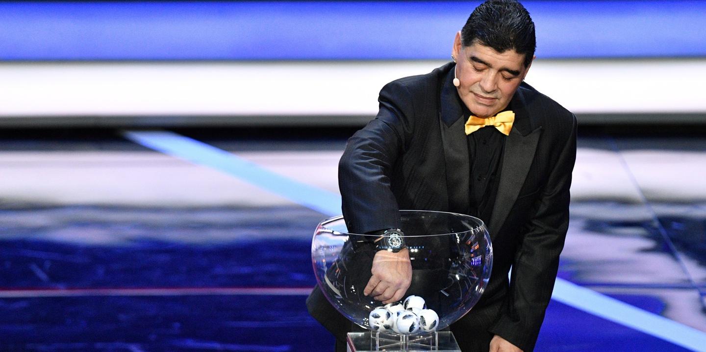 """Maradona pede a Cristiano Ronaldo para """"não brincar"""" com a história do futebol"""