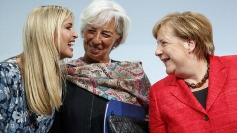 """""""É feminista?"""" Ivanka Trump diz que sim, Merkel demora a responder"""