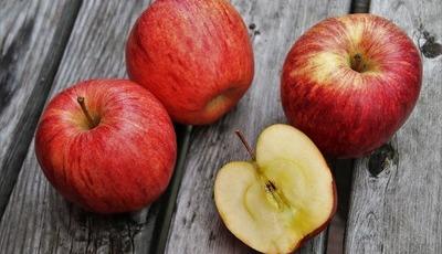 """""""As sementes de maçã são perigosas pois têm cianeto""""? Desconstruímos 7 mitos na cozinha"""