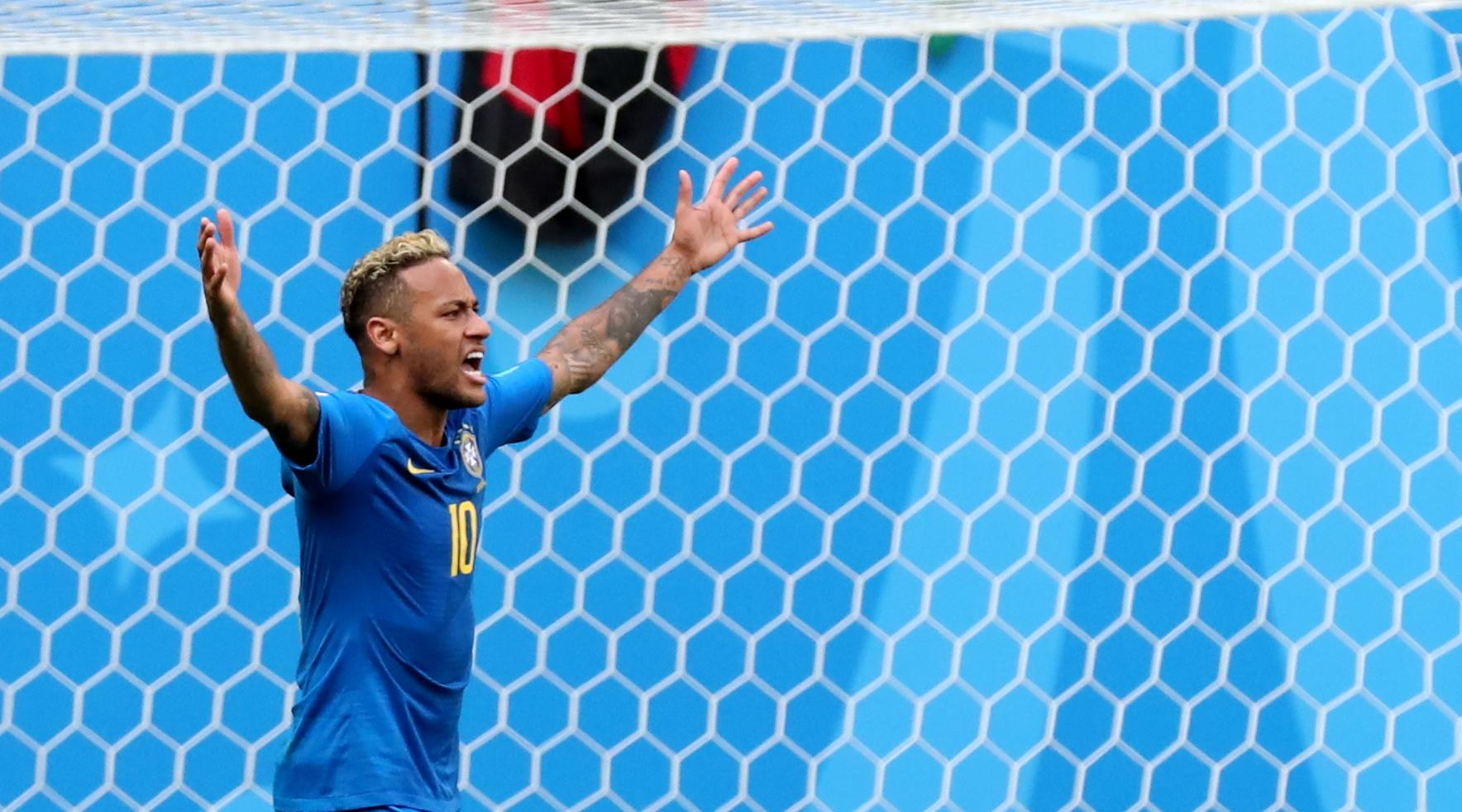 """Tite: """"Neymar é humano e precisa de tempo para chegar ao nível alto que tem"""""""