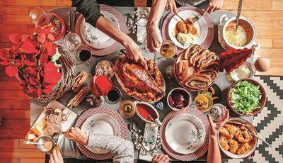 Junte a família e os amigos à mesa e aceite estas sugestões para um Natal fora de portas