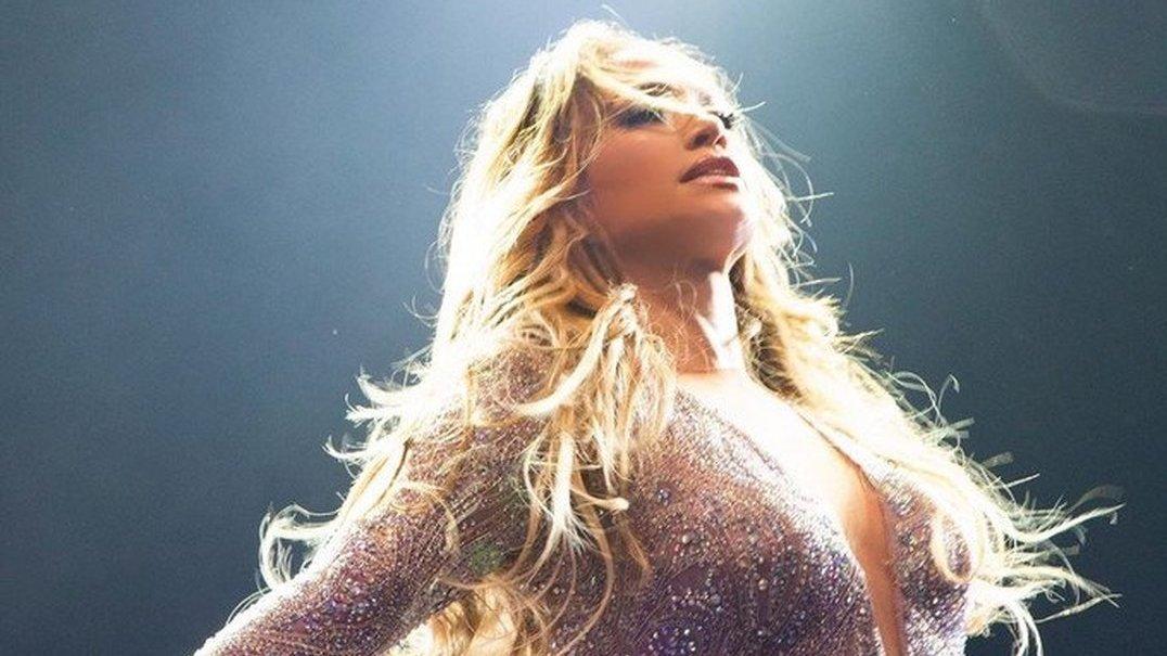 Jennifer Lopez mostra energia contagiante e incrível forma física em novo vídeo