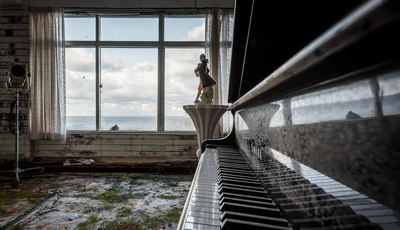 O maior hotel do Japão está abandonado desde 2006. Lá dentro, ainda há televisões, móveis e até pianos