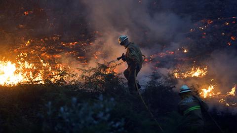 """""""Porque os incêndios em Portugal são tão letais?"""", pergunta o El País"""