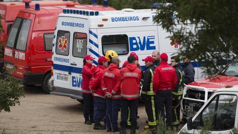 Proteção Civil espera concluir hoje resgate das vítimas do acidente de Valongo