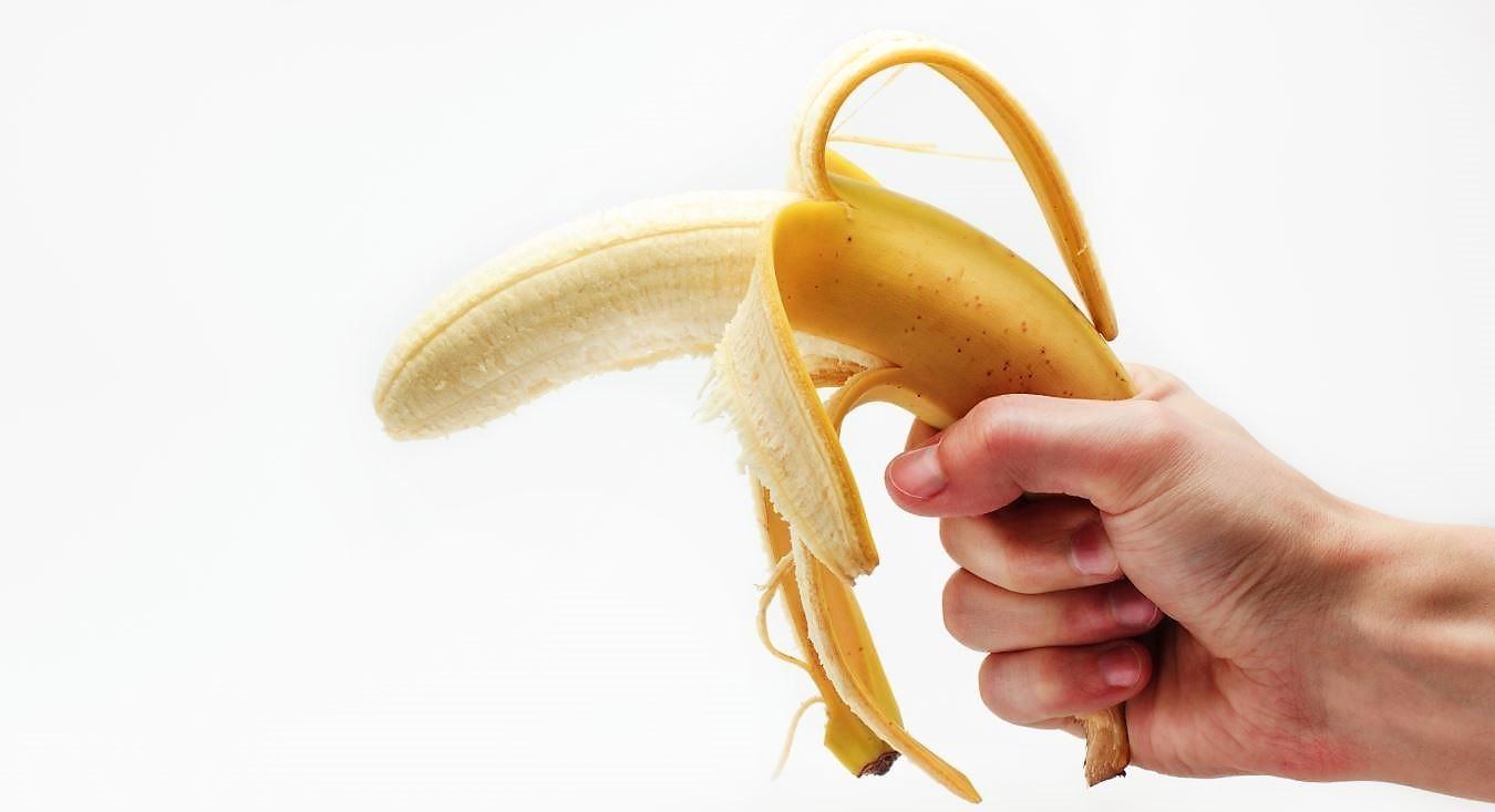 Descasca a banana pelo extremo certo? Talvez não, assim como outros alimentos