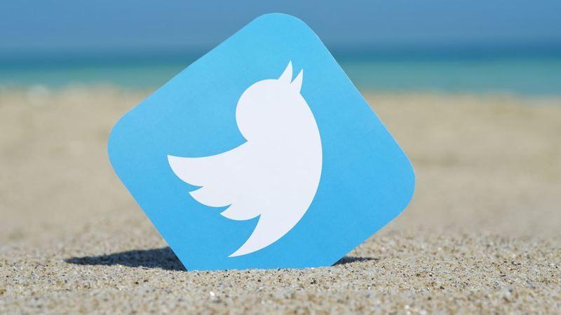 Saiba como ativar o modo noturno na app móvel do Twitter