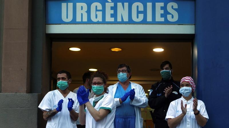 COVID-19: Espanha com 637 mortes em 24 horas, o número mais baixo em duas semanas