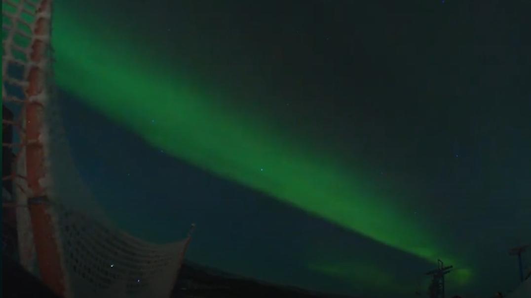 Aurora boreal filmada com GoPro no céu do Alasca