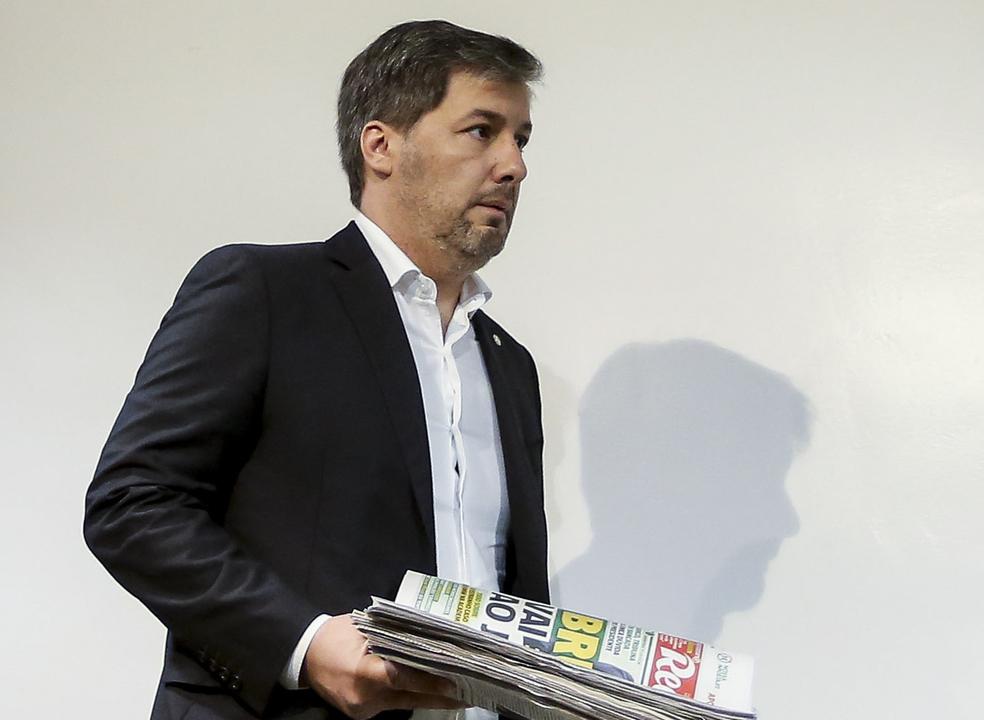 Demite-se ou é demitido? Hoje é o Dia D para Bruno de Carvalho