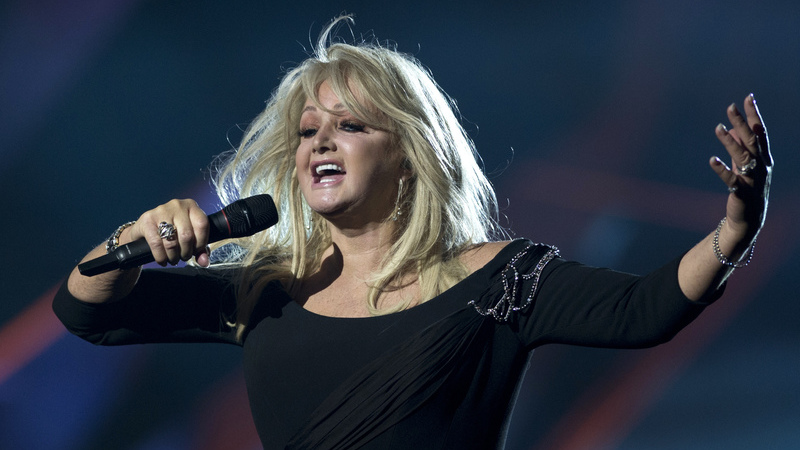 """Bonnie Tyler canta """"Total Eclipse of the Heart"""" durante eclipse solar"""