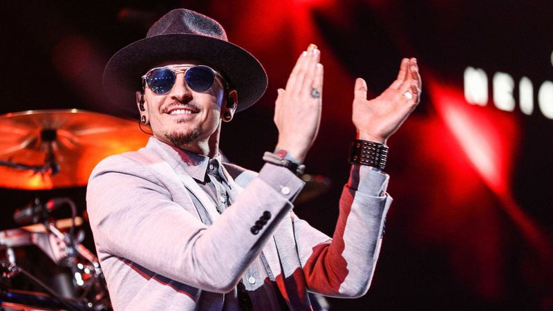 Chester Bennington: Músicos dos Korn e System of a Down confirmados na homenagem ao vocalista dos Linkin Park