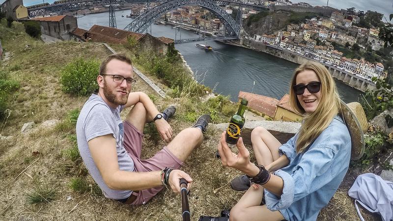 Este casal visitou 50 países e gastou menos de 8 euros por dia