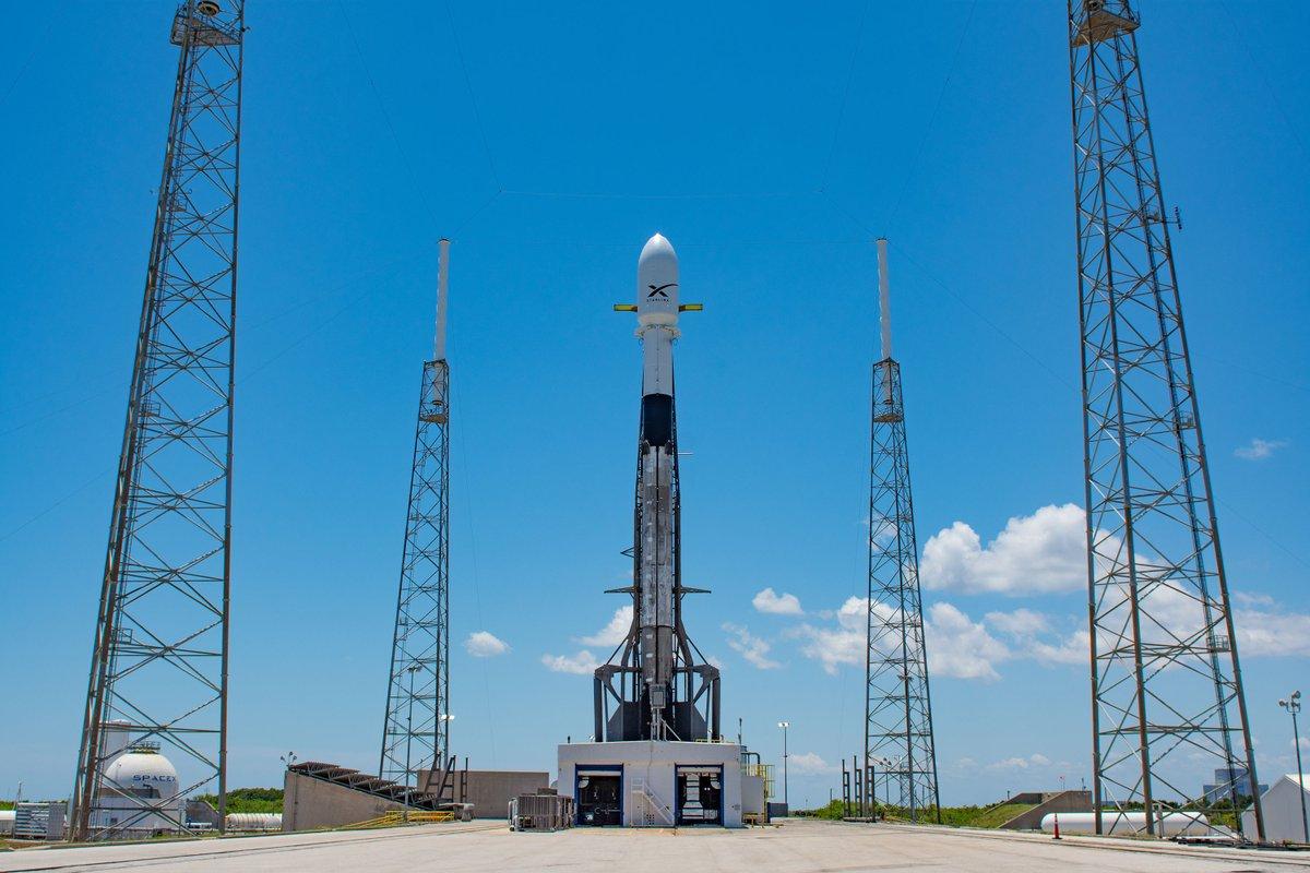 SpaceX adia lançamento de satélites de internet de alta velocidade