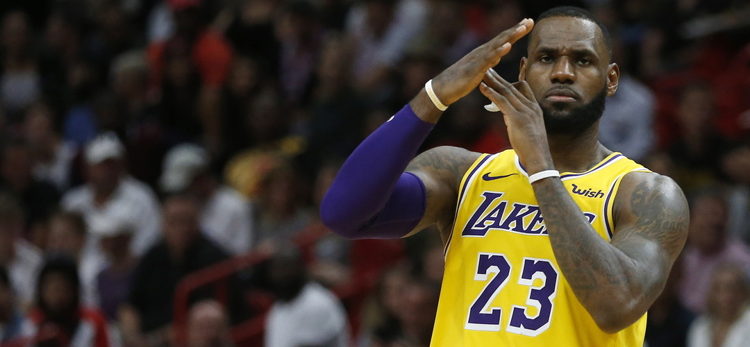 Quem diria? Los Angeles Lakers e LeBron James ficam fora dos 'play-offs' da NBA