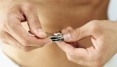 Homens com unhas perfeitas. O que (não) fazer para o conseguir