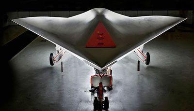 Reino Unido constrói 'drone' sofisticado do tamanho de um autocarro